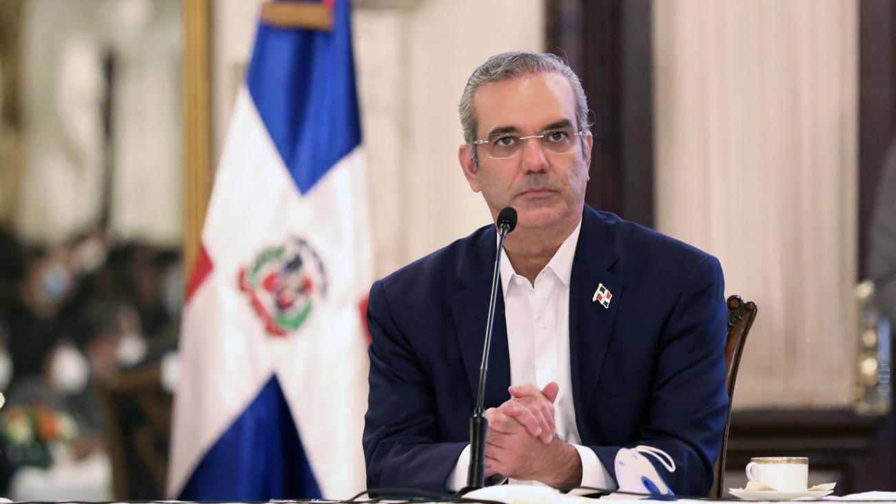 Presidente Luis Abinader presenta declaración jurada de bienes; patrimonio  será transferido y controlado por un fideicomiso | Presidencia de la  República Dominicana