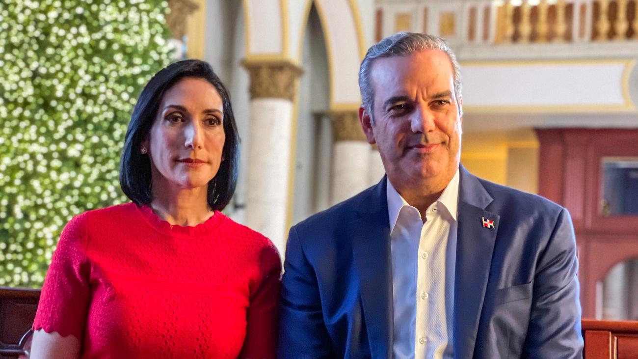 Luis Abinader y Raquel Arbaje